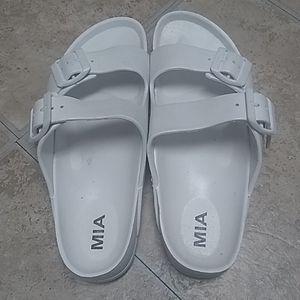 Mia white sandal